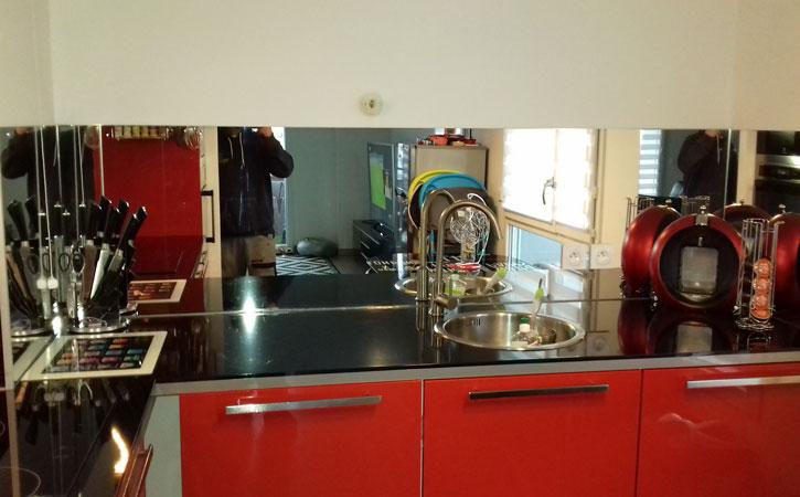 crdence miroir cuisine laque1 laque2 crdence de cuisine en miroir noir dijon crdence cuisine. Black Bedroom Furniture Sets. Home Design Ideas